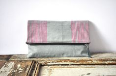 Fold Over Clutch. by eveden via Etsy.