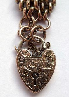 Antique Victorian 9ct Gold Gate Bracelet & Ornate Padlock