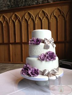 The Eleanor wedding cake set-up at Caerphilly Castle