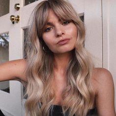 Dark Eyebrows Blonde Hair, Blonde Hair With Fringe, Blone Hair, Blonde Bob With Bangs, Blonde Layered Hair, Blonde Hair With Bangs, Blonde Haircuts, Balayage With Fringe, Bangs And Balayage