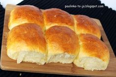 Smak mojej kuchni...: Puszyste bułeczki maślane Cooking Time, Cooking Recipes, Polish Recipes, Dinner Rolls, How To Make Bread, Holiday Desserts, Hot Dog Buns, Bakery, Good Food