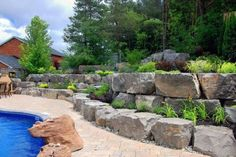 Top 50 Best Slope Landscaping Ideas - Hill Softscape Designs Steep Hillside Landscaping, Sloped Backyard Landscaping, Landscaping With Boulders, Landscaping On A Hill, Stone Landscaping, Landscaping Retaining Walls, Sloped Garden, Landscaping Ideas, Backyard Layout