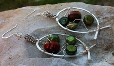 OOAK Hammered wire and pearl earrings by Bitz2Glitz on Etsy, $22.00