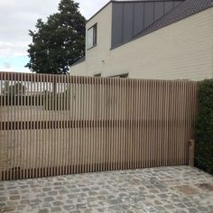 timber screen gate Grill Gate Design, Front Gate Design, Door Gate Design, House Gate Design, Timber Architecture, Sustainable Architecture, Contemporary Architecture, Wooden Fence Gate, Garden Gates And Fencing