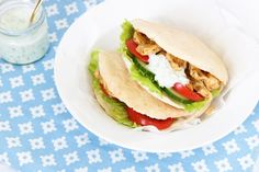 Kip gyros met speltpita's – FOOD Childproofing, Healthy Recipes, Healthy Dinners, Healthy Food, Love Food, Chicken Recipes, Sandwiches, Dinner Recipes, Food And Drink