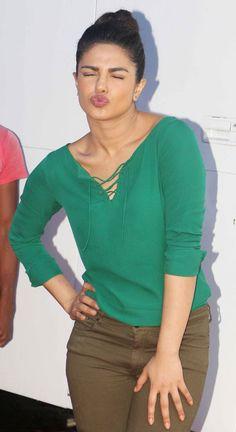 Priyanka Chopra pouts for the cameras