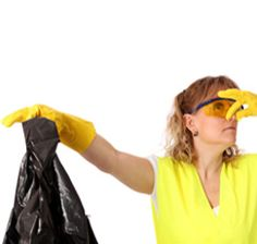 Smelly Garbage Can FixNote: Never combine vinegar with ammonia or bleach of any kind. This combination creates a toxic gas that's harmful. You should also never combine ammonia and bleach together—that creates toxic chloramine vapors, which can cause respiratory damage (yikes!).