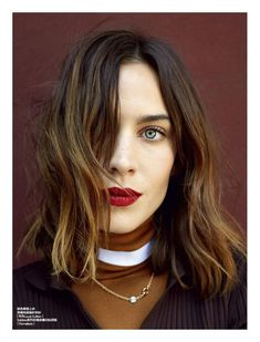 Idée Maquillage 2018 / 2019 : Alexa Chung for Elle China by Yuan Gui Mei School Make Up, Back To School Makeup, Long Bobs, Hair Inspo, Hair Inspiration, New Hair, Your Hair, Alexa Chung Style, Alexa Chung Makeup
