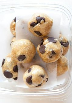 Peanut Butter Chocolate Chip Cookie Dough Bites (No-Bake, Vegan, Gluten Free) - http://maestrorecipes.com/peanut-butter-chocolate-chip-cookie-dough-bites-no-bake-vegan-gluten-free/