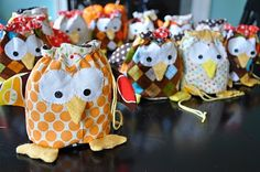 Such a cute gift idea.  I love little owls.  I think making one for every child in a class may just take the fun out of it!!!!