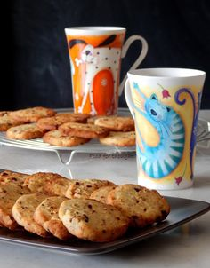 Food for thought: Για πρωινό Healthy Snaks, Almond Cookies, Biscuit Cookies, Food For Thought, Cookie Recipes, Biscuits, Caramel, Muffin, Sweets