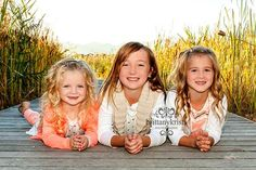 Children poses, sibling poses, family photography, family pictures idea, Utah photographer, lake, dock