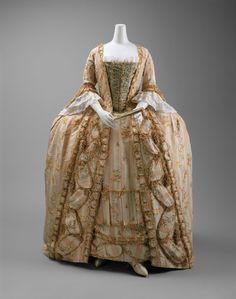 Robe à la Française | Metropolitan Museum of Art, NYC This robe à la française shows the silhouette most associated with eighteenth-century dress.