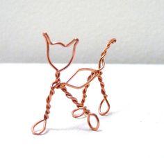 Kitty Cat copper wire sculpture by tinymishaps on Etsy Kitty Cat sculpture sur fil de cuivre par tinymishaps sur Etsy Cat Jewelry, Animal Jewelry, Wire Jewelry, Jewellery, Wire Art Sculpture, Wire Sculptures, Abstract Sculpture, Bronze Sculpture, Sculptures Sur Fil