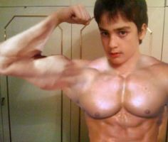 Funny Pictures, Jokes and Gifs / Animations: Funny Photoshopped Body Builders photoshop fun, Fu...