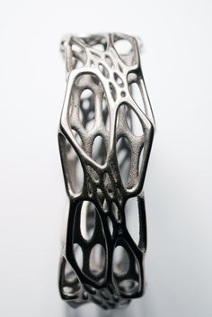 Bangle design inspired by cell structures - organic jewellery design; art jewelry // Nervous System
