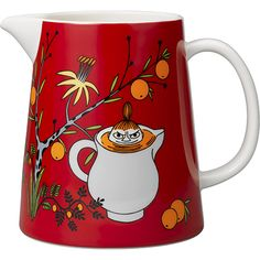 s Little My's Day pitcher in red features Little My sitting in an exotic fruit tree and inside a jug full of juice. The ceramic pitcher has a volume of 1 litre and its interior, spout and handle are white. Moomin Shop, Moomin Mugs, Tove Jansson, Moomin Valley, Ceramic Pitcher, Marimekko, China Patterns, Little My, Earthenware