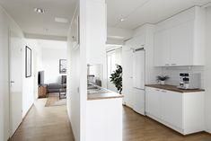 Tummat kalusteet ja yksityiskohdat tekevät asunnosta ajattoman tyylikkään. Tämä avapaa asumisoikeusasunto löytyy Jyväskylästä Ansaritie 6:sta.