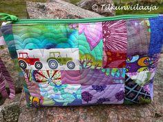 Trakto-rico zippered pouch by Tilkunviilaaja -- Trakto-rico-vetoketjupussukka