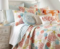 Sea Life Quilt Set with matching sand dollar pillow, and other fabulous beachy pillows. Featured on Beach Bliss Designs. Nautical Bedding, Coastal Bedding, Coastal Bedrooms, Nautical Home, Bedding Decor, Luxury Bedding, Beach Bedrooms, Cheap Bedding Sets, Bedding Sets Online