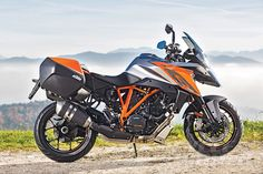 Cycle World - 2016 KTM 1290 Super Duke GT - FIRST RIDE REVIEW