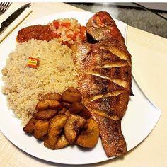 Nigeria Food, Ghanaian Food, Liberian Food Recipe, West African Food, Good Food, Yummy Food, Low Carb Dinner Recipes, Caribbean Recipes, Food Platters