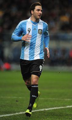 Gonzalo Higuaín Height