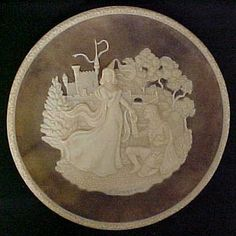 Collector Point - Plate Item Lancelot and Guinevere Arthur And Guinevere, Lancelot And Guinevere, King Arthur, Coconut Flakes, The Collector, Collections, Plates, Licence Plates, Dishes
