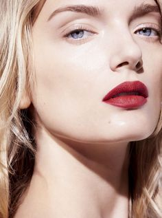 Lily Donaldson by Horst Diekgerdes for L'Express Styles October 2015 beauty red lips