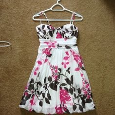 Brown and pink flower dress Very cute flower designed dress. True white as seen best in first picture with brown and pink. Been worn only a few times. Size large. Speeckless Dresses
