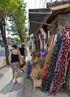 BEST FIVE PLACES TO SHOP IN BALI