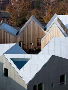 Social Architecture and (un)sustainability: NORD Architects Copenhagen Healthcare Architecture, Architecture Cool, Scandinavian Architecture, Commercial Architecture, Contemporary Architecture, Facade Design, Roof Design, Nordic Design, Patio