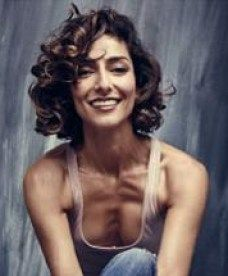"""Necar Zadegan in Bravo/Marti Noxon (""""UnREAL"""") exec produced television serie. Short Curly Hair, Curly Hair Styles, Bob Cuts For Women, Girlfriends Guide To Divorce, Ncis New, Persian Girls, Hello Gorgeous, Beautiful, Weird Science"""