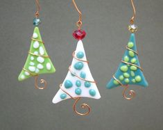 Christmas Tree Ornaments 3 Personalized Fused Glass Polka Dot Party Favor Green Teal This is a set of three fused glass Christmas tree ornaments in teal, green, and white glass. The melted piece of gl Fused Glass Ornaments, Clay Ornaments, Fused Glass Art, How To Make Ornaments, Teal Christmas, Christmas Clay, Christmas Items, Christmas Crafts, Christmas Skirt