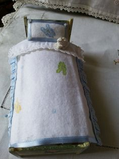 Dollhouse  112   Mini bedding with bunnies  by LaboratoriodiManu, €14.00
