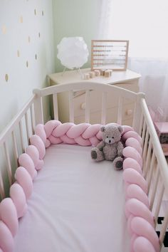 This must be the cutest crib bumper I`ve ever seen