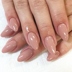 Not sure why, but I just love the neutral tone almond shape nail. #nailart #atlasstudio