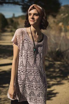 It is possible to don comfy knitwear in the desert heat! Just combine lightweight flax fiber, an airy lace pattern, a light color to reflect the sun, and a breathable gauge, and you have the Arizona Tee designed by Amy Gunderson. This lace tee knitting pattern, found in Interweave Knits Summer 2018, is an oversized, versatile, lightweight summer top with lots of ease and drape. The straightforward construction and simple shaping allows you to focus on the elegant lacework as you knit.