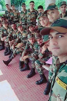Indian Flag Images, Indian Army Special Forces, Indian Army Wallpapers, Indian Army Quotes, Army Pics, Army Girlfriend, Girl Attitude, Female Soldier, Army Love