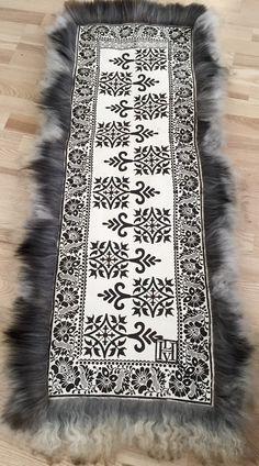 Sheep Crafts, Sheep Breeds, Scandi Christmas, Scandinavian Interiors, Handmade Christmas Gifts, Textile Design, Teak, Folk Art, Threading