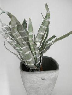 Paramit - Dekoratívna umelá kvetina zelená 40 cm