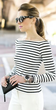 Street style | Striped top and white pants | Just a Pretty Style