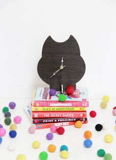 Squirrelly Minds » DIY Wooden Animal Stand Clock