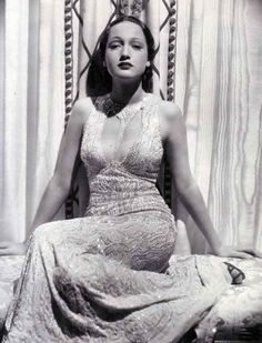 Dorothy Lamour in an Edith Head dress - Edith Head was a genius!!