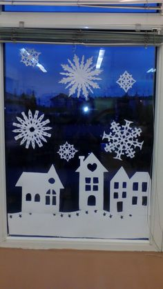 Winterdekorationen der Fenster von SP Lubicz Górny - Home Page Xmas Crafts, Crafts For Kids, Cosy House, Learning Through Play, Holiday, Christmas, Decoration, Home Decor, Winter Time