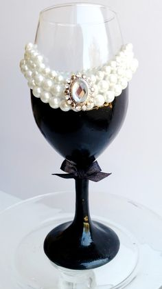 Audrey Hepburn Breakfast at Tiffany's wine glass! There's pearls, and sparkles and faux diamonds! What's not to love!
