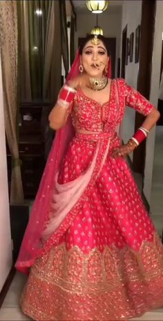 Party Wear Indian Dresses, Indian Gowns Dresses, Indian Bridal Outfits, Indian Bridal Fashion, Indian Fashion Dresses, Dress Indian Style, Wedding Dresses For Girls, Indian Designer Outfits, Bridal Dresses