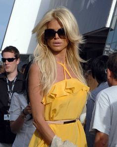 Victoria Silvstedt Layered Cut
