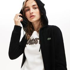 Lacoste Sport presents a sweatshirt in ultra-dry cashmere jersey with a protective hood. Fully loaded with technical features for athletes. Lacoste Clothing, Lacoste Sport, Sport Tennis, Sweater Outfits, Sports Women, World Of Fashion, Cashmere, Luxury Clothing, Clothes For Women