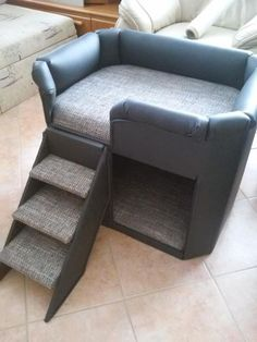 20 kg … Custom dog bed Length: 70 cm Height: 60 cm Depth: 50 cm cca. 20 kg (solid wood) Hand-made the stairs are removable Cover not removable Dark gray (imitation leather) – gray … Cute Dog Beds, Diy Dog Bed, Pet Beds, Dog Bunk Beds, Raised Dog Beds, Dog Bedroom, Elevated Dog Bed, Puppy Room, Dog Ramp